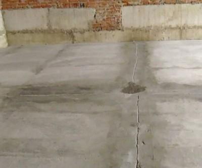 Последствия неправильной укладки стяжки — трещины