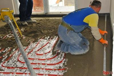 Процесс выполнения полусухой стяжки