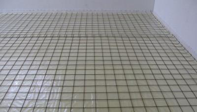 Армированная сетка (здесь ячейка составляет 150х150 мм)